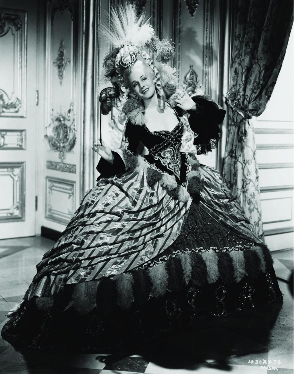 norma-shearer-in-marie-antoinette-(1938)
