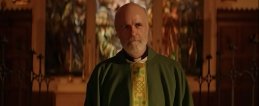 Tom Noonan as Father Roger in Late Phases